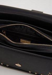 Versace Jeans Couture - BAROQUE BUCKLE STUD SHOULDER  - Across body bag - black - 4