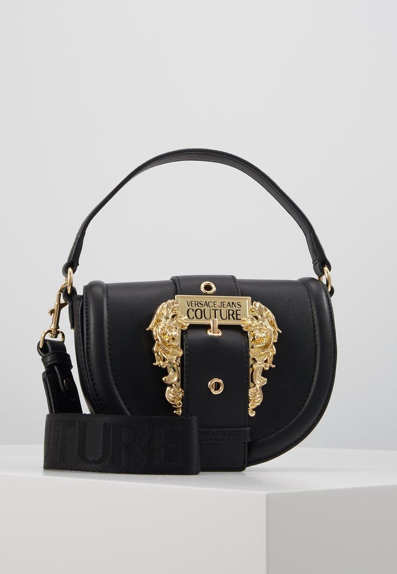 Versace Jeans Couture - BAROQUE BUCKLE HALF MOON - Handtas - black