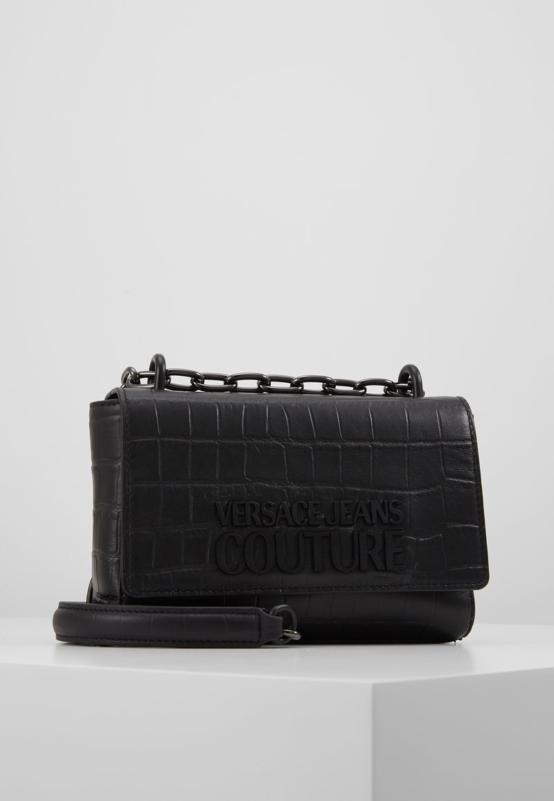 Versace Jeans Couture - CROCO CHAIN STRAP LOGO  - Torba na ramię - black