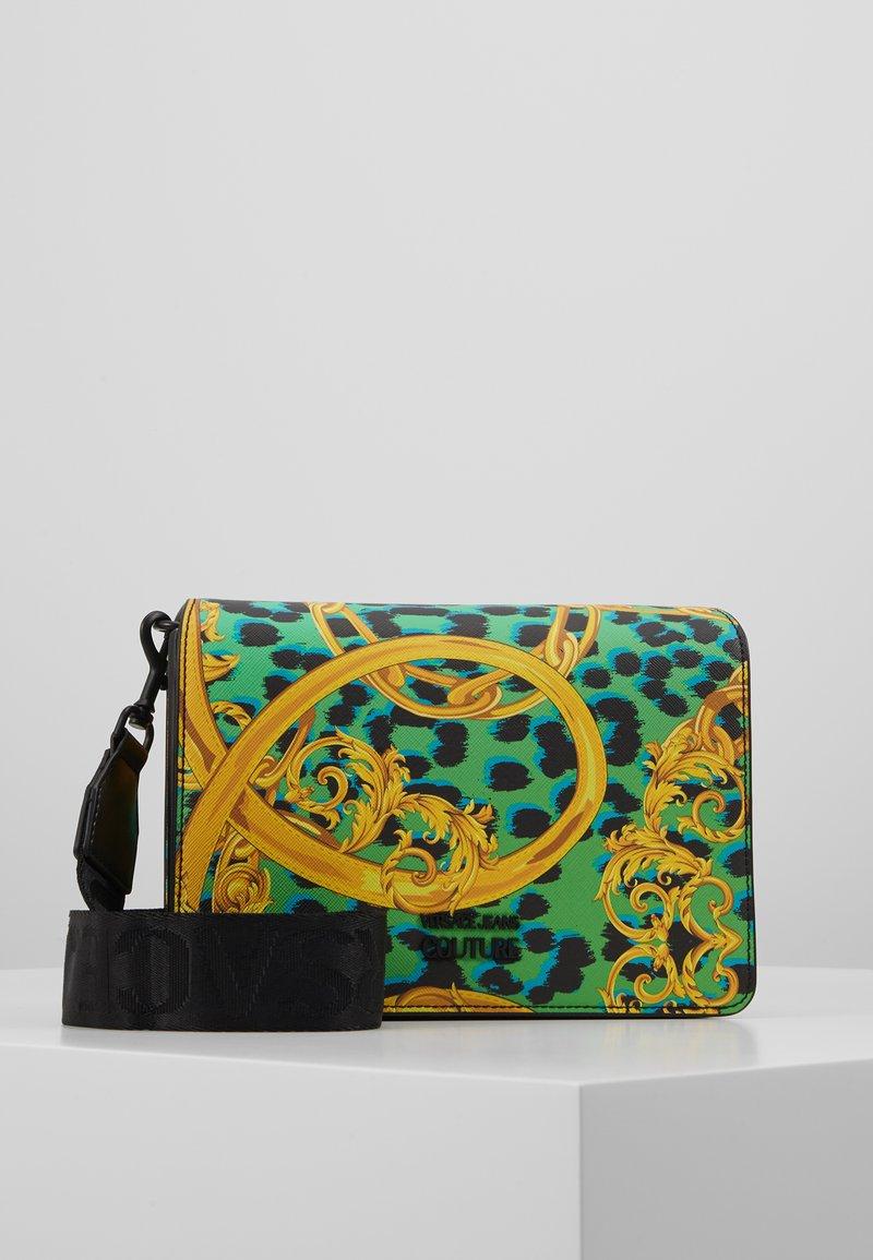 Versace Jeans Couture - LEOPARD BAROQUE - Olkalaukku - frog