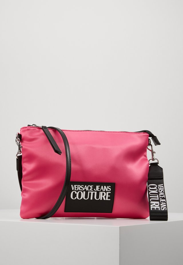 POUCH ON STRAP LOGO - Clutch - fuxia