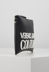 Versace Jeans Couture - MACRO LOGO POUCH - Clutch - black - 3