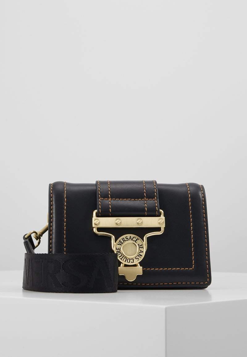 Versace Jeans Couture - BELT BAG BUCKLE - Rumpetaske - nero