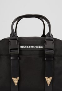 Versace Jeans Couture - GRAB BAG - Sac à main - nero - 3