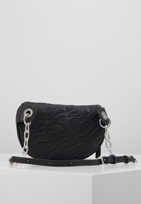 Versace Jeans Couture - QUILTED BELT BAG - Ledvinka - nero - 2