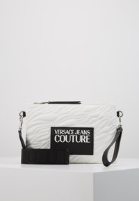 Versace Jeans Couture - QUILTED POUCH WITH STRAP - Clutch - bianco - 0