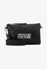 Versace Jeans Couture - QUILTED POUCH WITH STRAP - Clutch - nero - 6