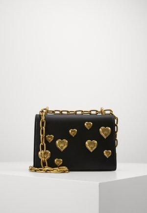 HEARTS CHAIN SHDLR - Handbag - nero