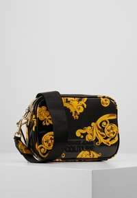 Versace Jeans Couture - PATENT BAROQ CAMERA - Across body bag - nero/oro - 1