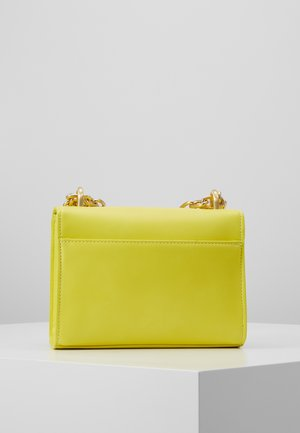 CHAIN CHARMS - Borsa a tracolla - yellow