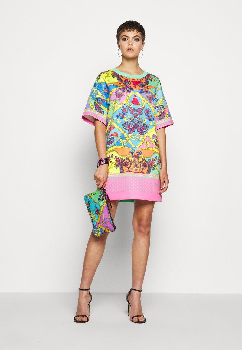 Versace Jeans Couture - MEDIUM POUCH - Clutch - multcolor