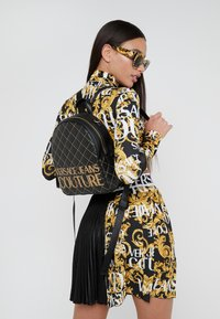 Versace Jeans Couture - BACKPACK QUILTED - Rugzak - nero - 1