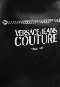 Versace Jeans Couture - LINEA MACROTAG - Sac à dos - black - 6