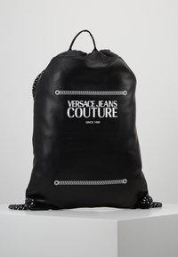 Versace Jeans Couture - LINEA MACROTAG - Sac à dos - black - 0