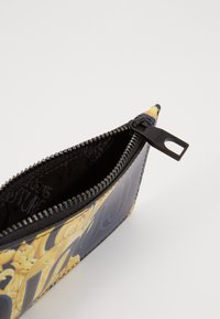 Versace Jeans Couture - Portemonnee - navy/gold - 5