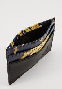Versace Jeans Couture - Peněženka - navy/gold - 5