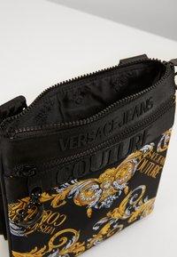 Versace Jeans Couture - UNISEX - Across body bag - black/gold - 5