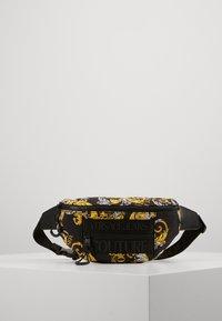 Versace Jeans Couture - UNISEX - Sac banane - black/gold - 0