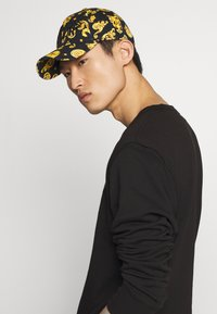Versace Jeans Couture - Cap - black - 1
