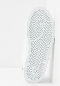Vero Moda Wide Fit - WIDE FIT VMKELINA  - Sneakers basse - snow white/black - 6
