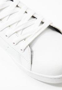 Vero Moda Wide Fit - WIDE FIT VMKELINA  - Sneakers basse - snow white/black - 2