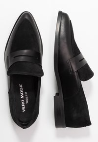 Vero Moda Wide Fit - WIDE FIT VMTRINE LOAFER - Slip-ons - black - 3