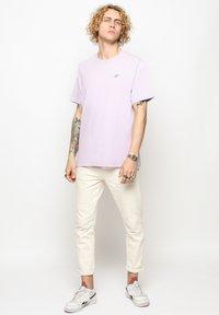 Vertere Berlin - T-shirt basique - purple - 1