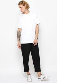 Vertere Berlin - T-shirt med print - white - 1