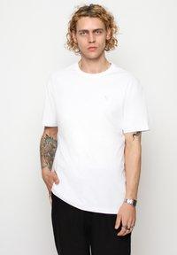 Vertere Berlin - T-shirt med print - white - 2
