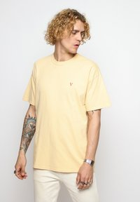 Vertere Berlin - T-shirt imprimé - pastel yellow - 0