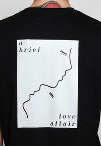 Vertere Berlin - T-shirt imprimé - black - 5