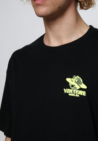 Vertere Berlin - Printtipaita - black - 4
