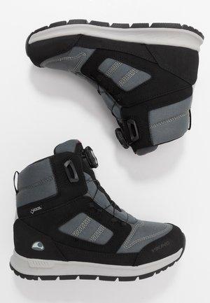 TRYVANN BOA GTX  - Zimní obuv - black/charcoal