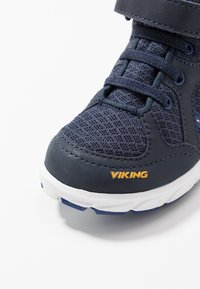 Viking - ALVDAL MID GTX - Trekingové boty - navy/dark blue - 2