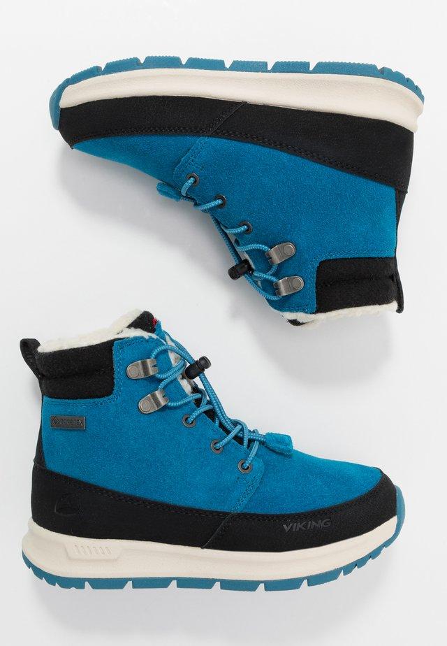 ROTNES GTX - Snowboots  - petrolblå/svart
