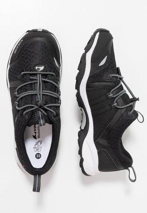 EXTERMINATOR - Hiking shoes - black/grey