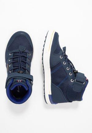 TONSEN MID KIDS - Vysoká chodecká obuv - navy/dark blue