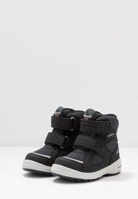 Viking - ONDUR GTX - Zapatillas de senderismo - black/charcoal - 2