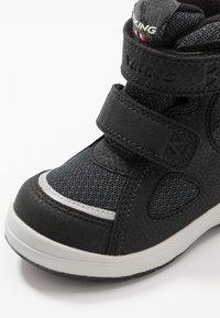 Viking - ONDUR GTX - Zapatillas de senderismo - black/charcoal - 5