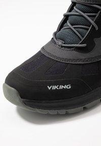 Viking - TED GTX - Scarpa da hiking - black/charcoal - 2