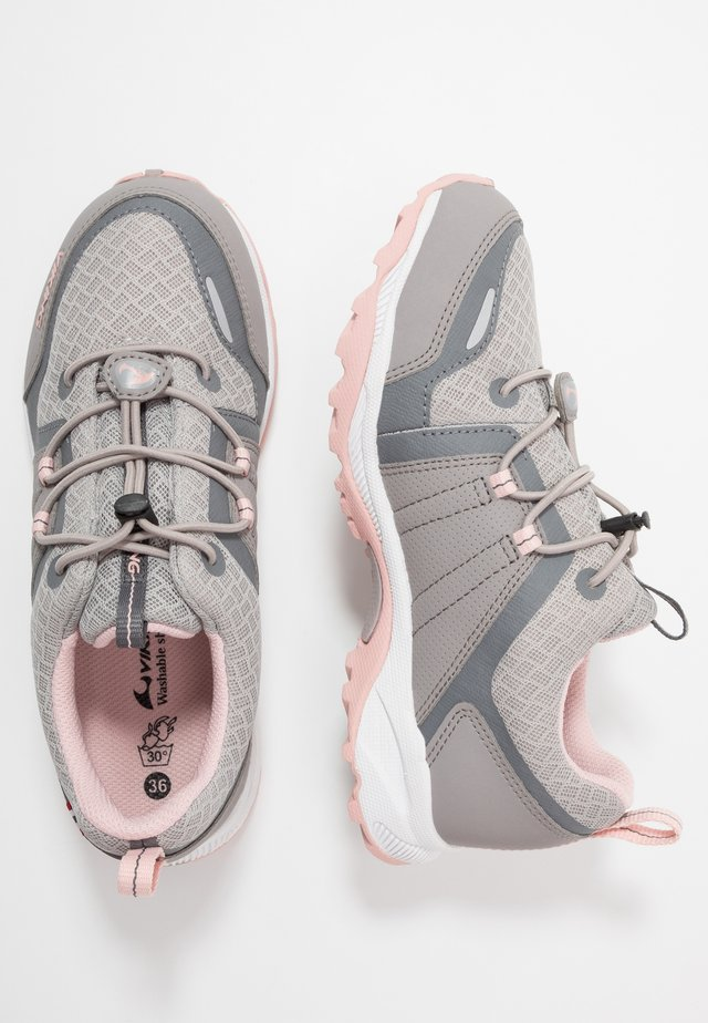 EXTERMINATOR GTX - Hiking shoes - pearlgrey/light pink