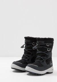 Viking - TOTAK GTX - Zimní obuv - black/charcoal - 3