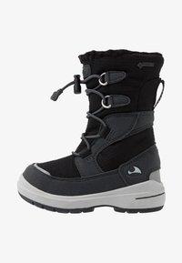Viking - TOTAK GTX - Zimní obuv - black/charcoal - 1