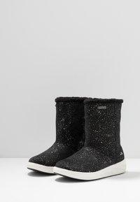 Viking - HANNAH GTX - Winter boots - black - 3