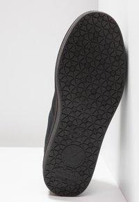 Victoria Shoes - BARCELONA LONA MONOCROMO - Joggesko - black - 6