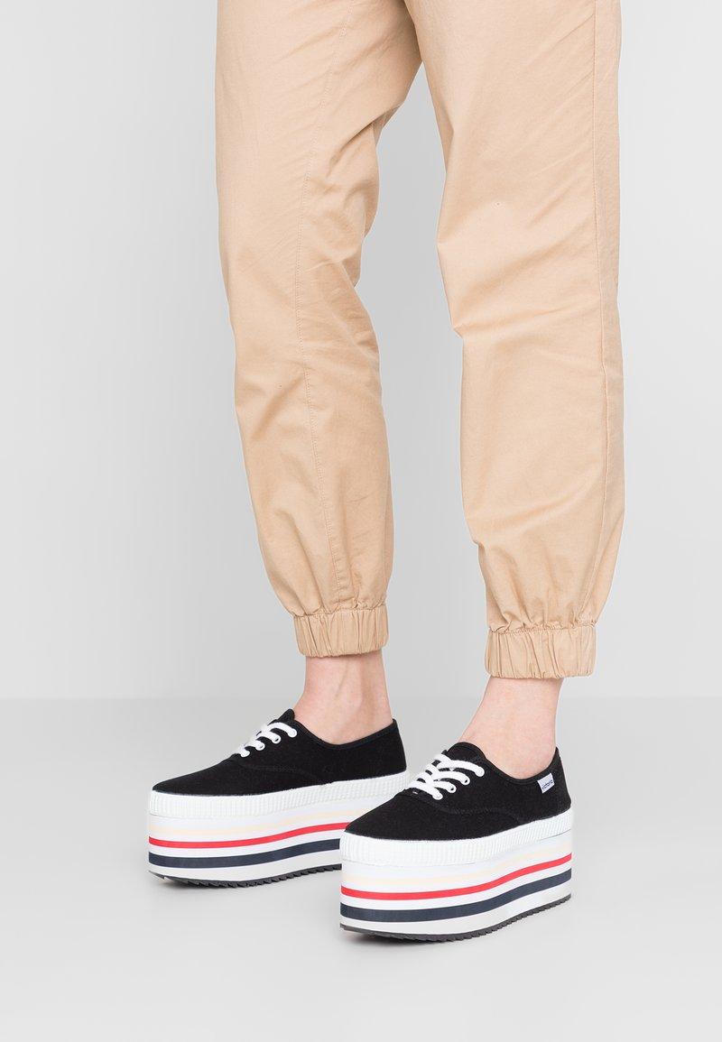 Victoria Shoes - MAXI SUELA EVA LONA - Zapatillas - black