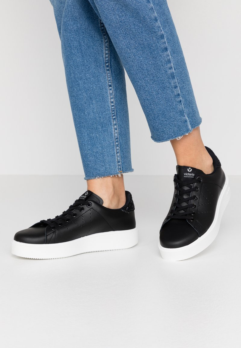 Victoria Shoes - Trainers - black