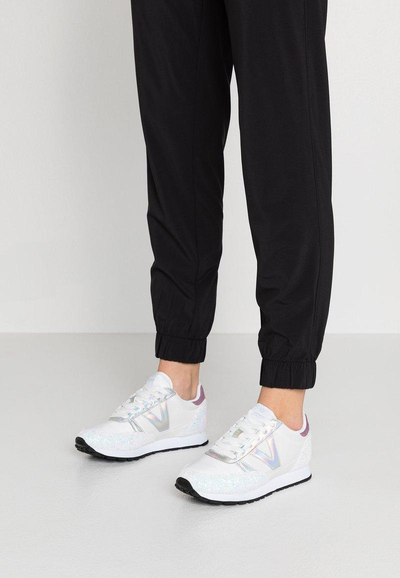 Victoria Shoes - DEPORTIVO CICLISTA GLITTER - Joggesko - blanco