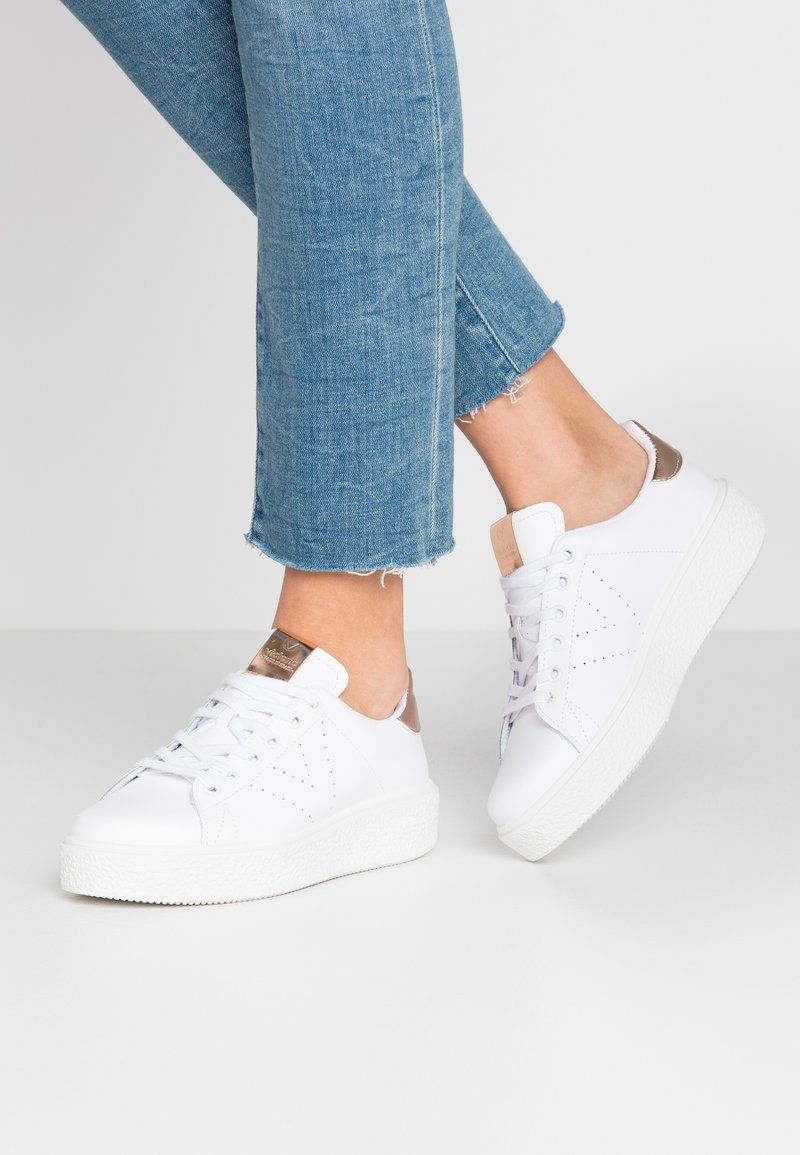 Victoria Shoes - Baskets basses - nude