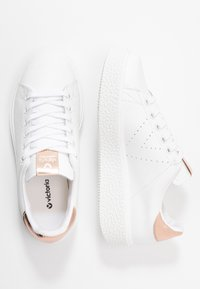 Victoria Shoes - Baskets basses - nude - 3